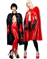 Kurzes Cape aus Latex